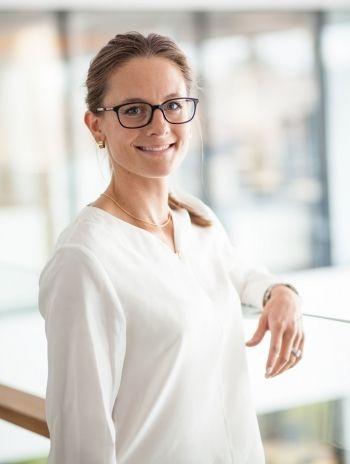 Essi Wallinová, M.Sc. (Ekon. a obch. správkyňa)<br /> vedúca tímu, Global Corporates